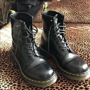 Dr.Martens 1460W SMOOTH LEATHER LACE UP BOOTS